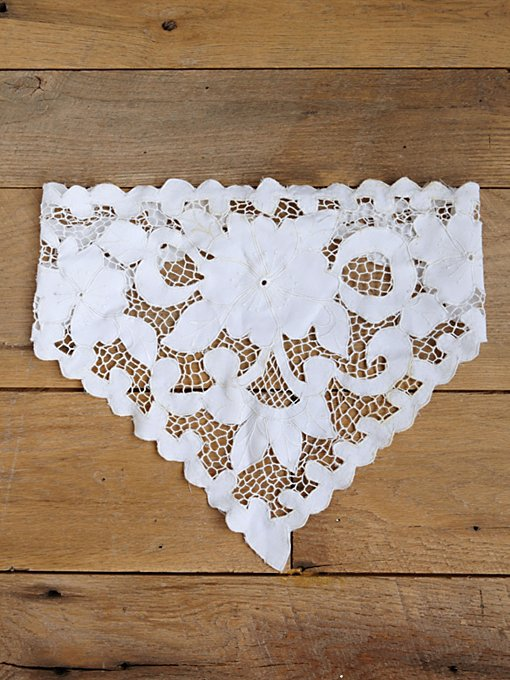 Free People Vintage White Cotton Embroidered Handkerchief  in Vintage-Accessories