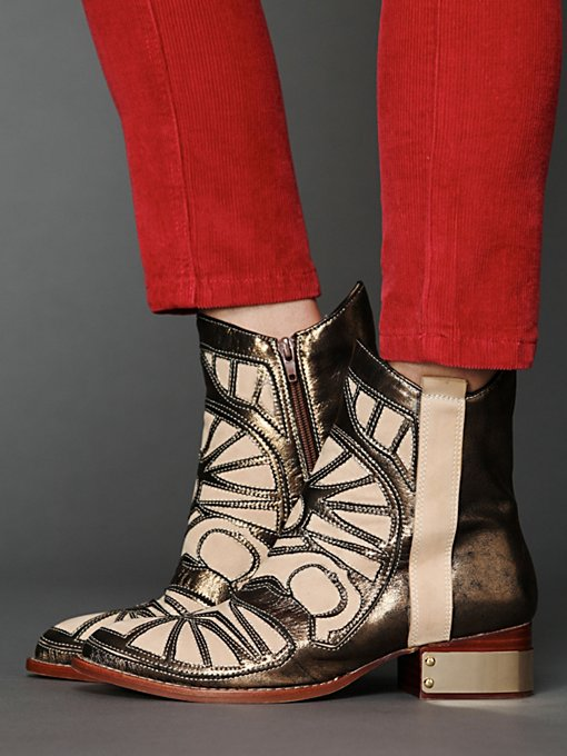 Jeffrey Campbell Cavalier Boot in Cowboy-boots