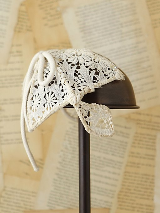 Free People Vintage Crochet Bow Headpiece in Vintage-Accessories