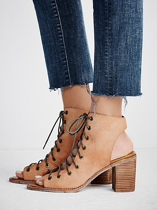 Minimal Lace Up Heel in heels-wedges