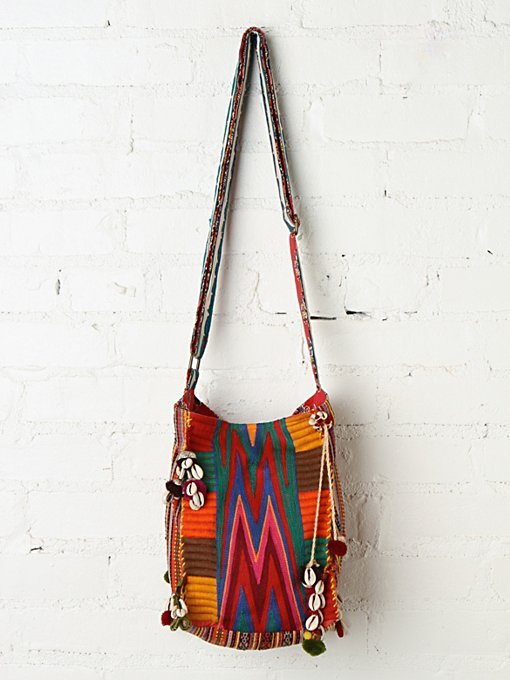 Soca Crossbody in beach